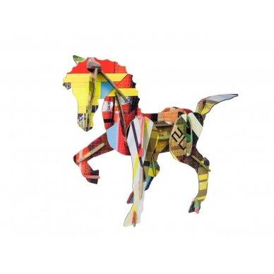 "Studio ROOF 3D totemas iš perdirbto kartono ,,Horse"""