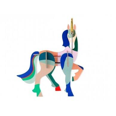 """Studio ROOF totemas iš perdirbto kartono ,,Unicorn"""""""